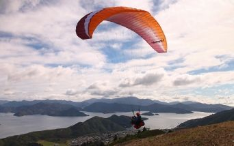 take off paragliding Picton